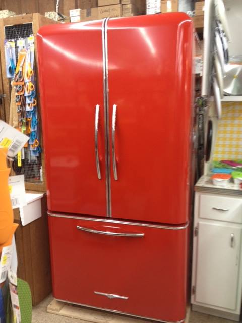 it s here our new red side by side elmira fridge yeehaw. Black Bedroom Furniture Sets. Home Design Ideas
